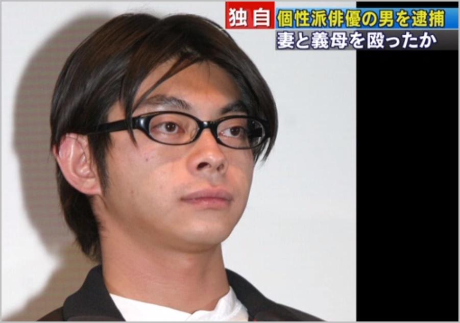 坂本真、妻らに対する暴行で現行犯逮捕