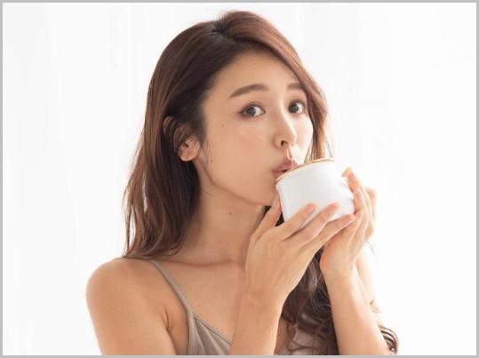 【STEP1】起きたらまず白湯を飲む
