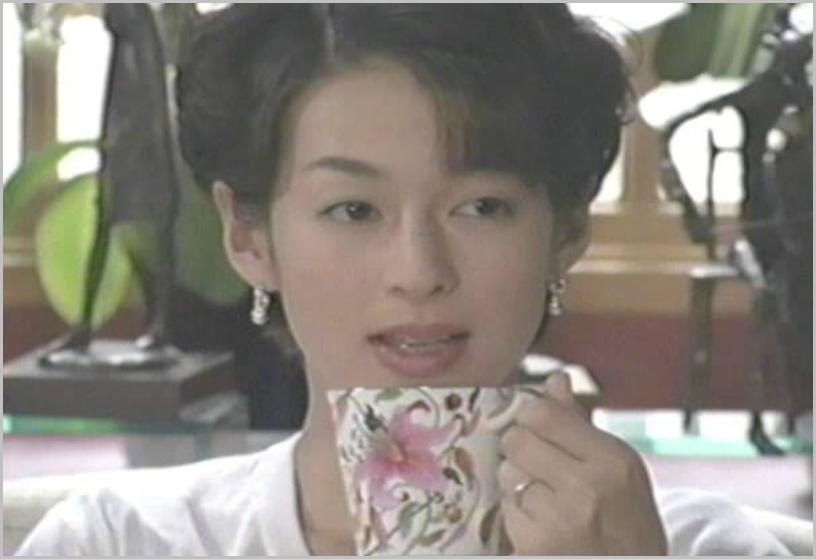 鈴木保奈美の昔と今、画像で比較!